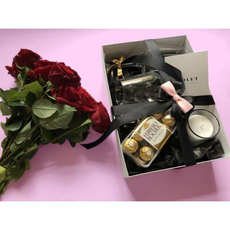 Oriģināla dāvana sievietei Dāvanu kastes ar piegādi