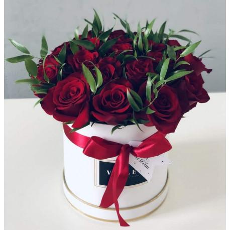 Маленькая Цветочная Коробка - Красные Розы Цветочные коробки