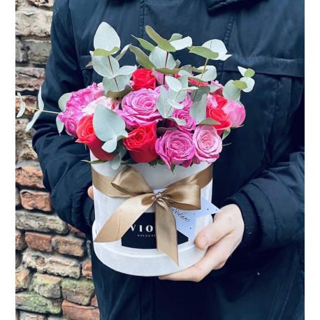 Mini eikalipta un rožu bloom box Ziedu kastītes