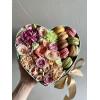 Цветы в коробке с макаронами