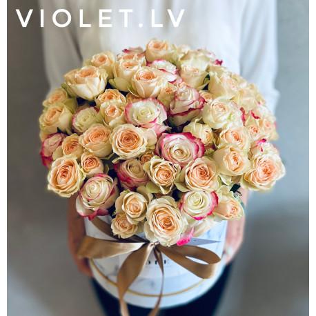 Flower Box с цветными розами Цветочные коробки