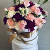 Шляпная коробка с гвоздиками Цветочные коробки