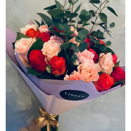 Розы и гвоздики