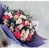 Разные розы с фисташками