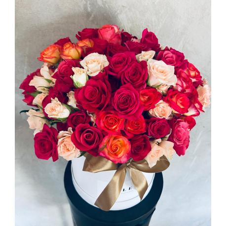 Bloom Box - Rozes un Krūmrozes Mix Ziedu kastītes