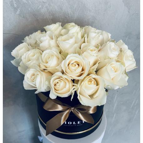 Flower Box ar baltām rozēm Ziedu kastītes