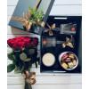Подарочная коробка с 19 розами Подарочные коробки